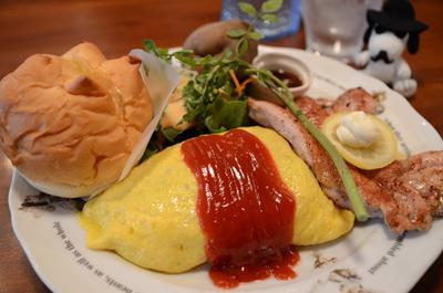 [画像がありません]KUKUチキンライスのオムライスとこだわりの桜姫鶏ステーキ