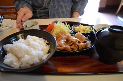[画像がありません]豚肉の生姜焼き定食