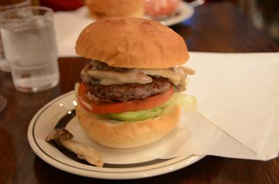 [画像がありません]ホワイトマッシュルームバーガー