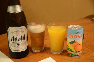 [画像がありません]ビールとオレンジジュース