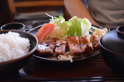 [画像がありません]豚の唐揚げ定食
