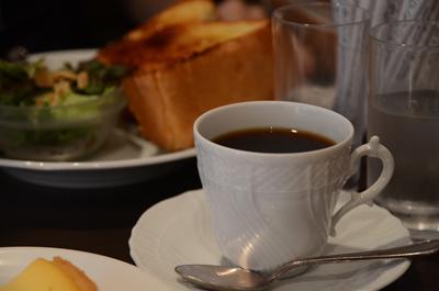 [画像がありません]本日のドリップコーヒー(バタートーストとセットで)