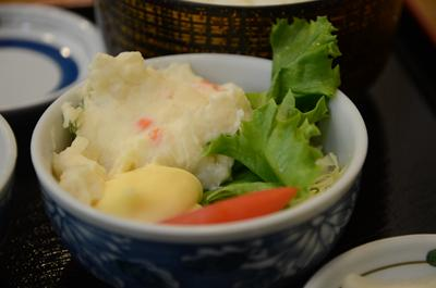 [画像がありません]小鉢定食のポテトサラダ