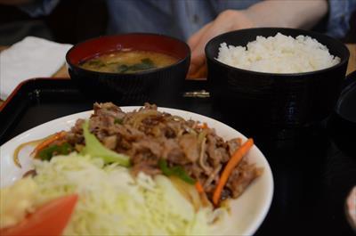 [画像がありません]牛焼肉定食