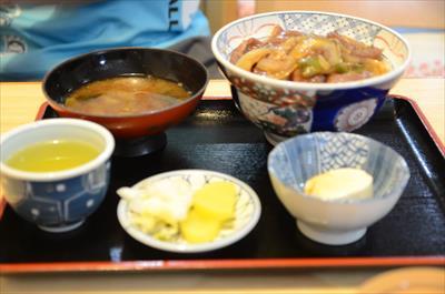 [画像がありません]飛騨牛 牛丼(汁付)