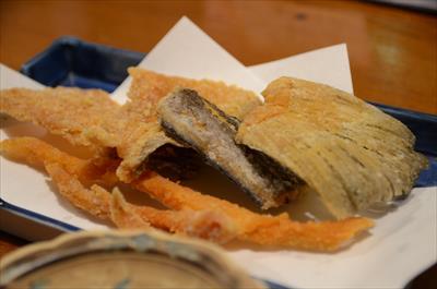 [画像がありません]魚の骨せんべい