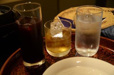 [画像がありません]ぶどうジュースとウイスキー