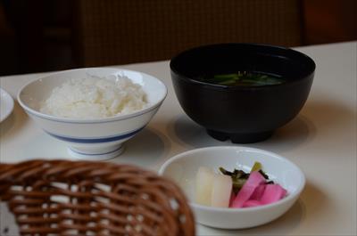[画像がありません]ご飯とお味噌汁
