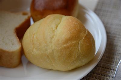 [画像がありません]焼き立てパン