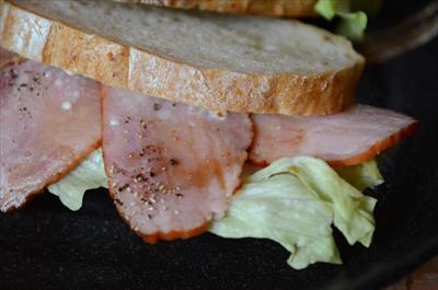 [画像がありません]焼き豚のサンドイッチ
