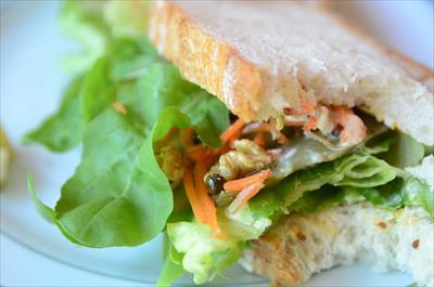[画像がありません]野菜のサラダサンド