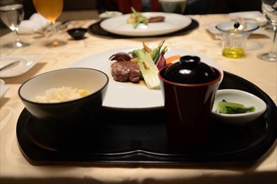 [画像がありません]上州牛のステーキとご飯+お味噌汁